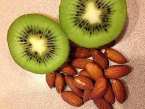 Kiwi-almonds
