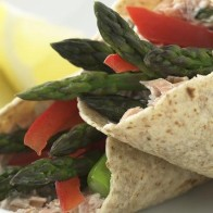 lemony asparagus and smoked salmon wraps